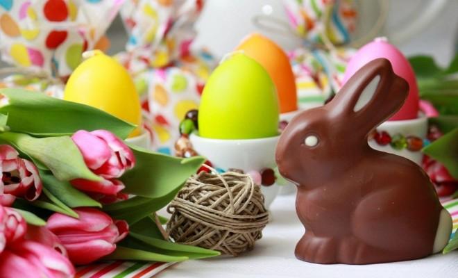 Easter-Rabbit-Chocolate-Egg-Flowers-Twine-1080x1920